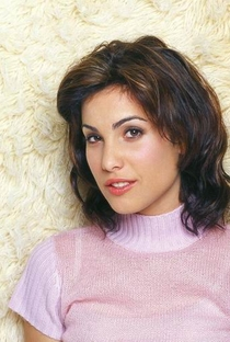 Carly Pope - Poster / Capa / Cartaz - Oficial 3
