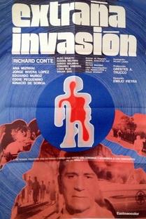 Extraña Invasión - Poster / Capa / Cartaz - Oficial 1