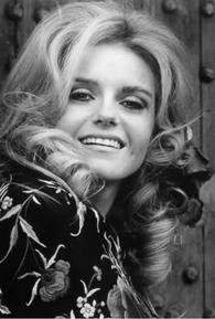 Sharon Farrell (I)