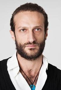 Alain Saadeh - Poster / Capa / Cartaz - Oficial 1