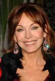 Lesley-Anne Down - Poster / Capa / Cartaz - Oficial 3