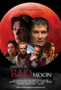 Under a Red Moon - Poster / Capa / Cartaz - Oficial 1