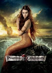 Piratas do Caribe: Navegando em Águas Misteriosas - Poster / Capa / Cartaz - Oficial 13