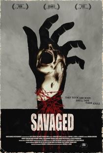 Savaged - Poster / Capa / Cartaz - Oficial 1