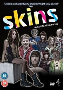 Skins - Juventude à Flor da Pele (3ª Temporada) - Poster / Capa / Cartaz - Oficial 1