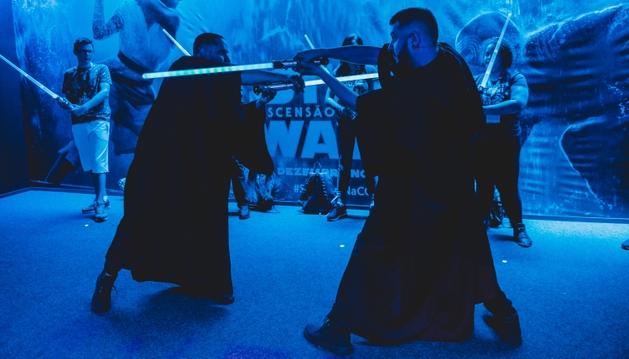 Batalha de Jedi é ponto alto no estande da Disney na CCXP