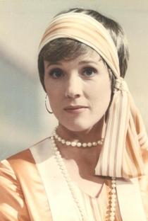 Julie Andrews - Poster / Capa / Cartaz - Oficial 5