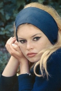 Brigitte Bardot - Poster / Capa / Cartaz - Oficial 16