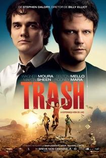 Trash - A Esperança Vem do Lixo - Poster / Capa / Cartaz - Oficial 2