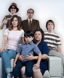 As Aventuras da Família Brasil - Poster / Capa / Cartaz - Oficial 1