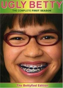 Ugly Betty (1ª Temporada) - Poster / Capa / Cartaz - Oficial 1