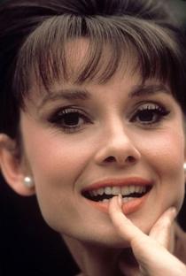 Audrey Hepburn (I) - Poster / Capa / Cartaz - Oficial 10