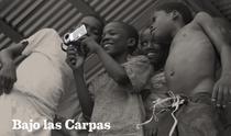 Sob as Tendas - Poster / Capa / Cartaz - Oficial 1