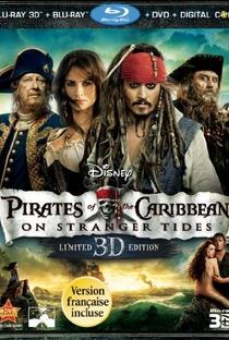 Piratas do Caribe: Navegando em Águas Misteriosas - Poster / Capa / Cartaz - Oficial 15