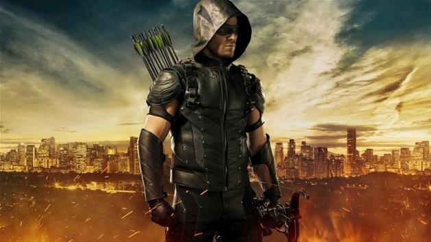 """[SDCC'15] O novo uniforme do Arqueiro Verde em """"Arrow"""""""