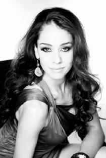 Alejandra Toussaint - Poster / Capa / Cartaz - Oficial 1