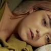 Lena Headey dirige Maisie Williams em videoclipe de Freya Ridings