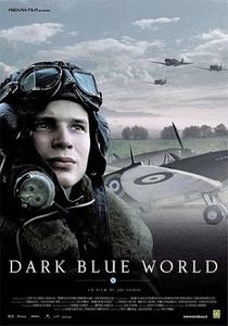 Num Céu Azul-Escuro - Poster / Capa / Cartaz - Oficial 2