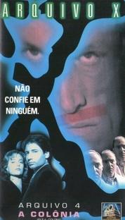 Arquivo X (4ª Temporada) - Poster / Capa / Cartaz - Oficial 3