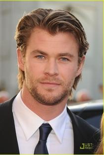 Chris Hemsworth - Poster / Capa / Cartaz - Oficial 10