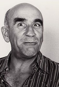 Warren Mitchell (I)