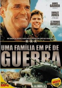 Uma Família em Pé de Guerra  - Poster / Capa / Cartaz - Oficial 1