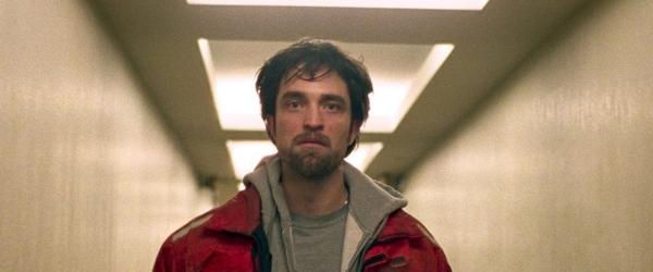 Crítica | 'Bom Comportamento': Robert Pattinson brilha em um frenético thriller de perseguição