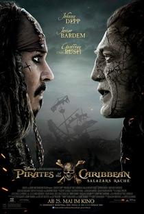 Piratas do Caribe: A Vingança de Salazar - Poster / Capa / Cartaz - Oficial 9