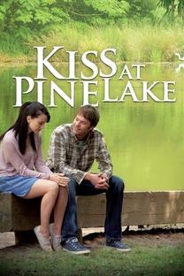 Beijo em Pine Lake - Poster / Capa / Cartaz - Oficial 2