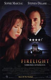 À luz do fogo - Poster / Capa / Cartaz - Oficial 1