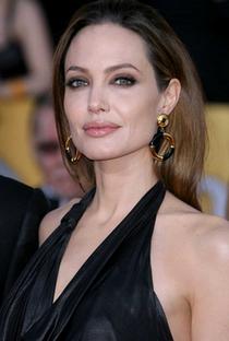 Angelina Jolie - Poster / Capa / Cartaz - Oficial 16