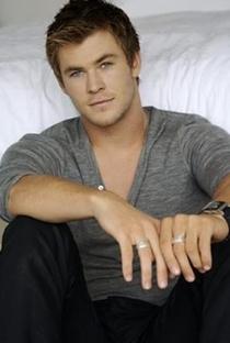Chris Hemsworth - Poster / Capa / Cartaz - Oficial 11