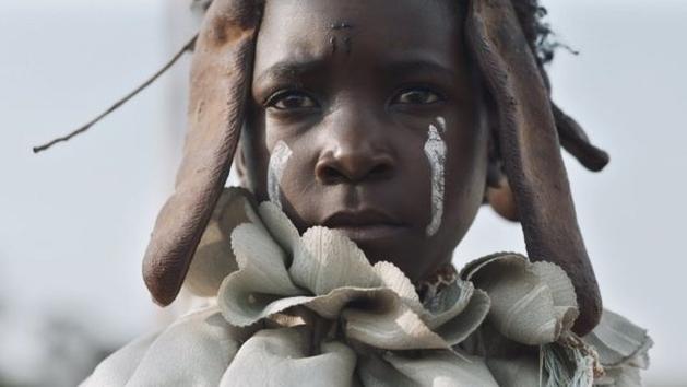 [CINEMA] Eu Não Sou uma Feiticeira: Bruxaria sob um olhar africano (crítica)
