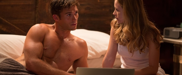 Scott Eastwood fala sobre sua vida sexual