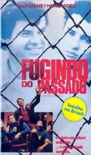 Fugindo Do Passado - Poster / Capa / Cartaz - Oficial 1