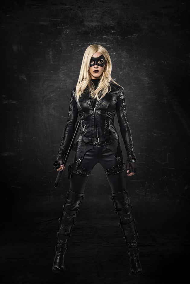 Arrow: Katie Cassidy torna-se a Canário Negro