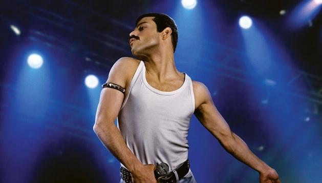 Bohemian Rhapsody   Dexter Fletcher assume direção após Bryan Singer brigar com Rami Malek