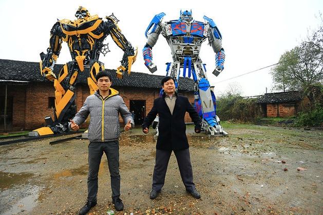 Chineses constroem Transformers a partir de ferro-velho