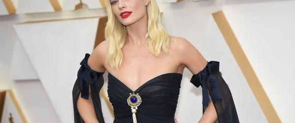 'Pirates Of The Caribbean' Movie Eyed With Margot Robbie & 'Birds Of Prey' Scribe Christina Hodson