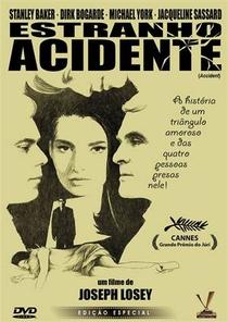 Estranho Acidente - Poster / Capa / Cartaz - Oficial 7