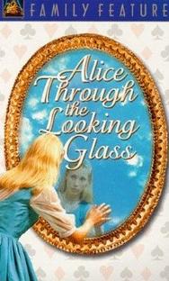 Alice Through the Looking Glass - Poster / Capa / Cartaz - Oficial 1