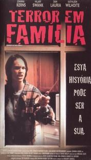Terror em Família - Poster / Capa / Cartaz - Oficial 1