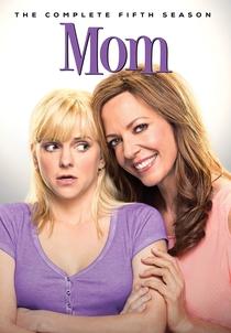 Mom (5ª Temporada) - Poster / Capa / Cartaz - Oficial 1