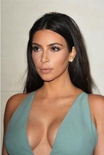 Kim Kardashian West - Poster / Capa / Cartaz - Oficial 5