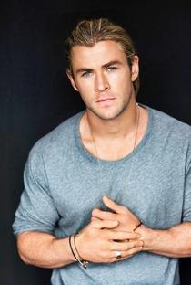 Chris Hemsworth - Poster / Capa / Cartaz - Oficial 6