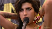 Amy Winehouse - Live At Glastonbury Festival - Poster / Capa / Cartaz - Oficial 1
