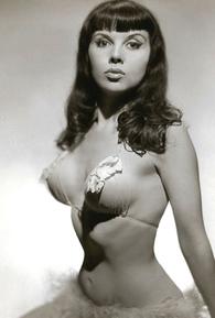 Julie Gibson (I)