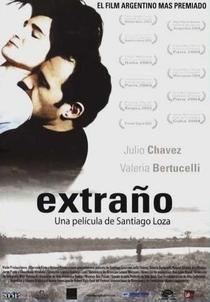 Estranho - Poster / Capa / Cartaz - Oficial 1