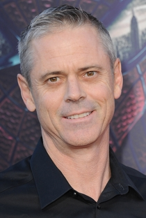 C. Thomas Howell - Poster / Capa / Cartaz - Oficial 1