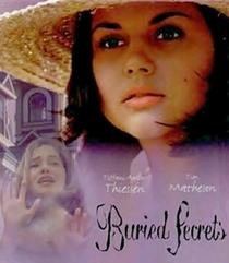 Segredos Enterrados - Poster / Capa / Cartaz - Oficial 1